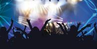 Na koncertě Backstreet Boys spadla mezi diváky konstrukce - anotační obrázek
