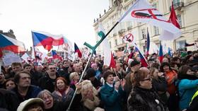 V Praze se dnes stejně jako v jiných evropských městech sešli odpůrci údajné islamizace Evropy, migraci či Evropské unie.