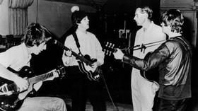 Beatles společně se Sirem Georgem Martinem
