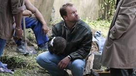 Maciej Stuhr jako detektiv Richard Krauz.