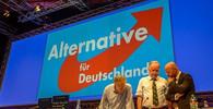 AfD gratuluje Babišovi: Merkelová a Juncker svou uprchlickou politikou pobuřují stále více menších členských států - anotační obrázek