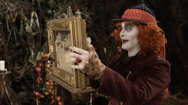 Film Alenka v říši divů: Za zrcadlem