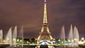 Ve Francii posunuli zákaz vycházení už na 18:00 - anotační foto