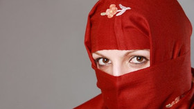 Muslimka vyhrála spor o hidžáb. ČR musí akceptovat různá náboženství, řekl soud - anotační foto