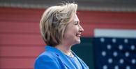 Poplach: Kancelář Clintonové byla evakuována kvůli dopisu s bílým práškem - anotační obrázek
