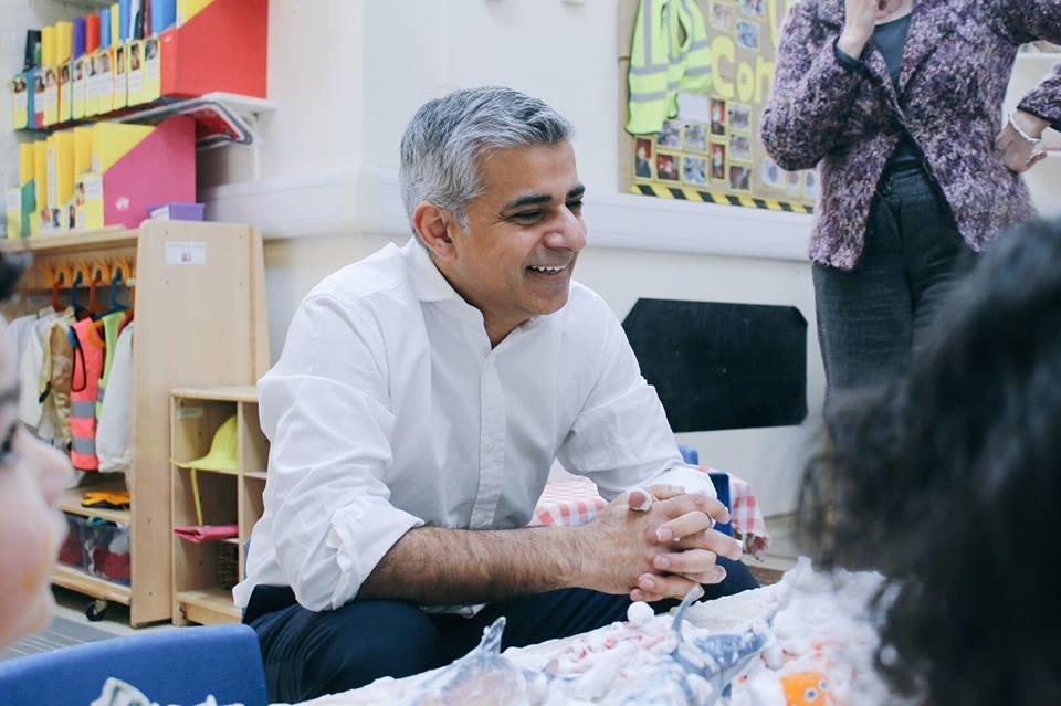 Sadiq Khan obhájil mandát a bude nadále starostou Londýna - anotační foto