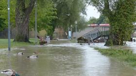 Část Slovenska zasáhly lokální povodně, lidem pomáhají hasiči i armáda