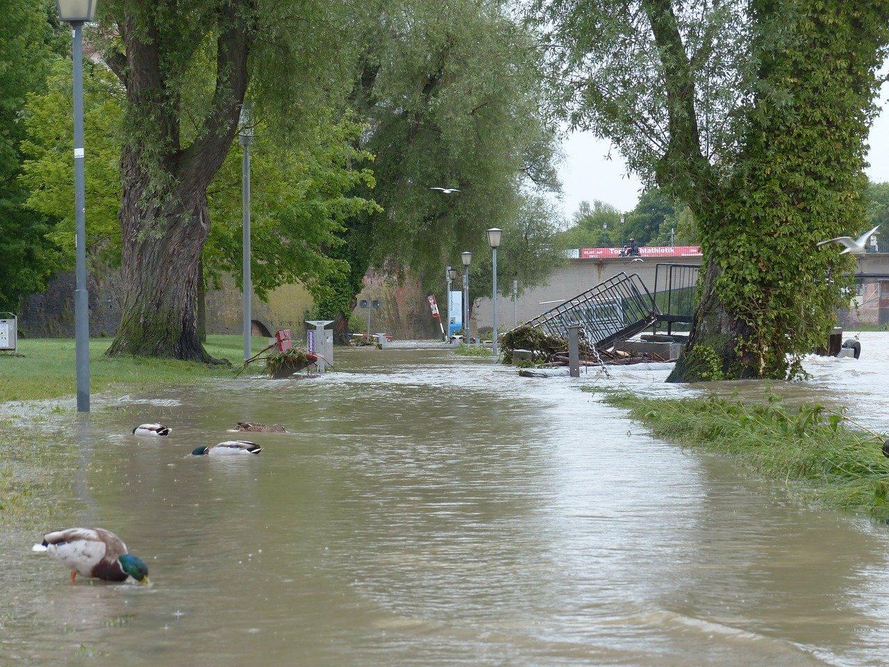 Část Slovenska zasáhly lokální povodně, lidem pomáhají hasiči i armáda - anotační foto