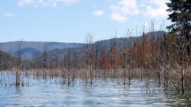Počasí: ČHMÚ zvýšil výstrahu před vichřicí a varuje před povodněmi