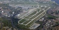 Letištěm v Istanbulu otřásly dvě exploze, minimálně 10 mrtvých - anotační obrázek