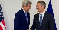 Summit NATO ve Varšavě (8. - 9. 7. 2016): John Kerry a Jens Stoltenberg