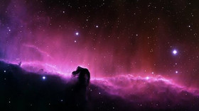 Ve vesmíru byla zaznamenána dosud největší exploze, vyšla od supermasivní černé díry - anotační foto
