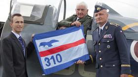 Brigádní generál Emil Boček usedl za knipl legendární stíhačky po dlouhých 71 letech.