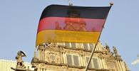Bouřlivá neděle v Drážďanech: K protestu proti Pegidě se přidali i technaři - anotační obrázek