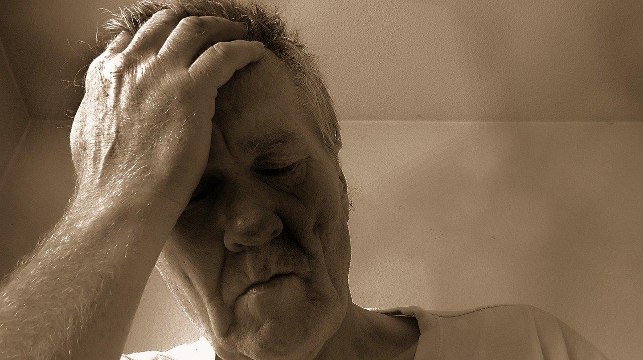Je možné onemocnění poznat podle zápachu? Čím trpíte, pokud z vás okolí cítí zkažená jablka? - anotační obrázek