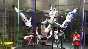 Synchronizovaný tanec ve větrném tunelu