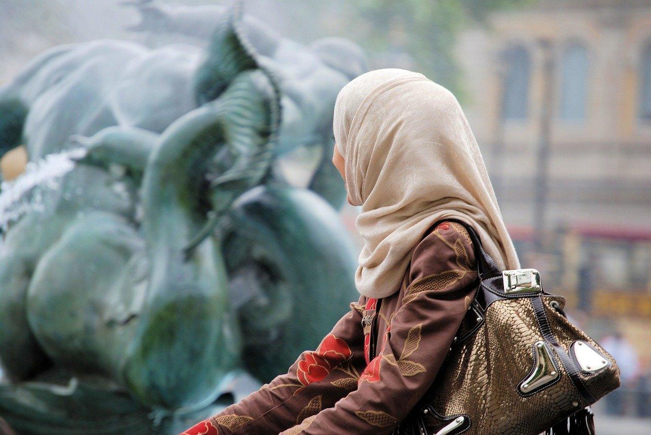 Muslimové se bouří. Naštval je návrh rakouského politika - anotační obrázek