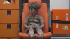 Chlepšc přežil jeden z útoků v Aleppo. Co asi říkají rodiče svým dětem o občanské válce v Sýrii?