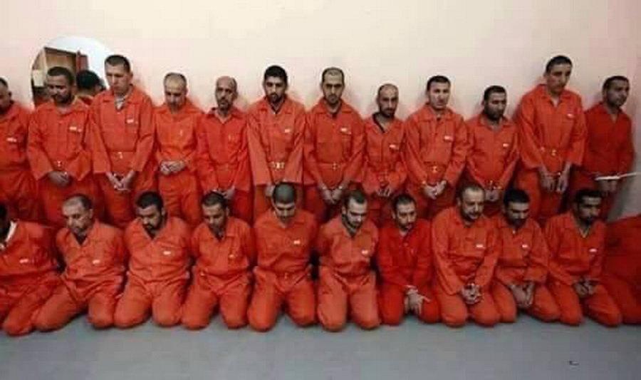 Islámský stát nechal popravit vlastní bojovníky, nechal jim uříznout hlavy - anotační obrázek