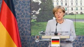Proč pozvala uprchlíky? Merkelová se bojí apokalypsy, studuje prastaré spisy - anotační foto