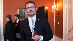 Ovčáček vystrkuje růžky a ptá se: Co na to Mirek Kalousek a Štětina? Bude demonstrace? - anotační foto