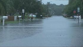 Na Floridě byla vyhlášena pohotovost kvůli tropické bouři Hermine, Havaj zasáhla bouře Madeline
