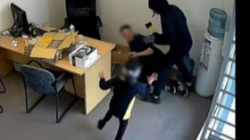 Holčička (6) se pokusila zneškodnit lupiče se sekerou, odvážný čin zachytila kamera