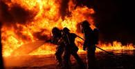 V Praze v noci hořela galvanovna, škoda je 60 milionů korun - anotační obrázek