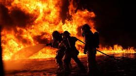 V domově pro postižené ve Vejprtech hořelo, 8 mrtvých a několik zraněných - anotační foto