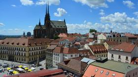 Brno, pohled ze Staré radnicena Katedrálu sv. Petra a Pavla
