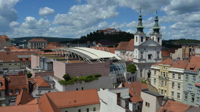 Brno, pohled ze Staré radnicena hrad Špilberk