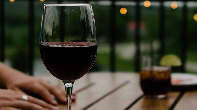 Alkohol, ilustrační foto
