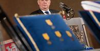 OBRAZEM: Miloš Zeman uděloval nejvyšší státní vyznamenání - anotační obrázek