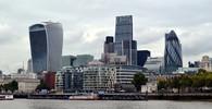 Protipožárním testům zatím nevyhovělo v Anglii 60 budov - anotační obrázek