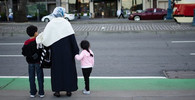 Jedenáctiletý uprchlík spáchal sebevraždu. Bál se, že ho kvůli krádeži deportují - anotační obrázek
