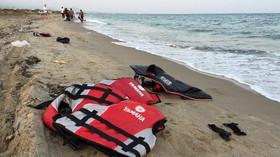 356 uprchlíků z Ocean Viking už je Maltě, připlula si pro ně armáda - anotační foto