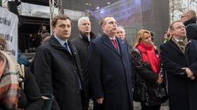 Politici i veřejnost vyjádřili na Albertově obavy z Miloše Zemana