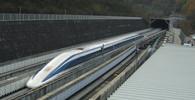 Hongkong a Čínu propojil rychlovlak, poprvé vyrazil na trať +VIDEO - anotační obrázek