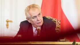 Čínský tisk propírá Česko? Došlo i na Miloše Zemana - anotační foto