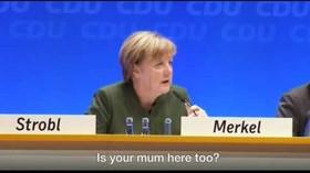 Merkelová jako krutý tyran? Afghánce dohnala doslova k slzám