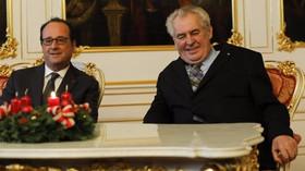 Francouzský prezident François Hollande se v Praze sešel s Milošem Zemanem (30. 11. 2016)