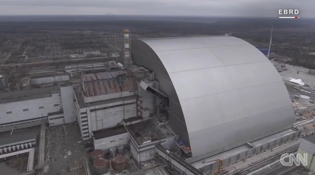 Nový kryt elektrárny v Černobylu