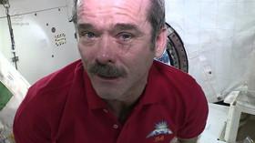 Astronauti by se mohli ve vesmíru utopit i pomocí slz