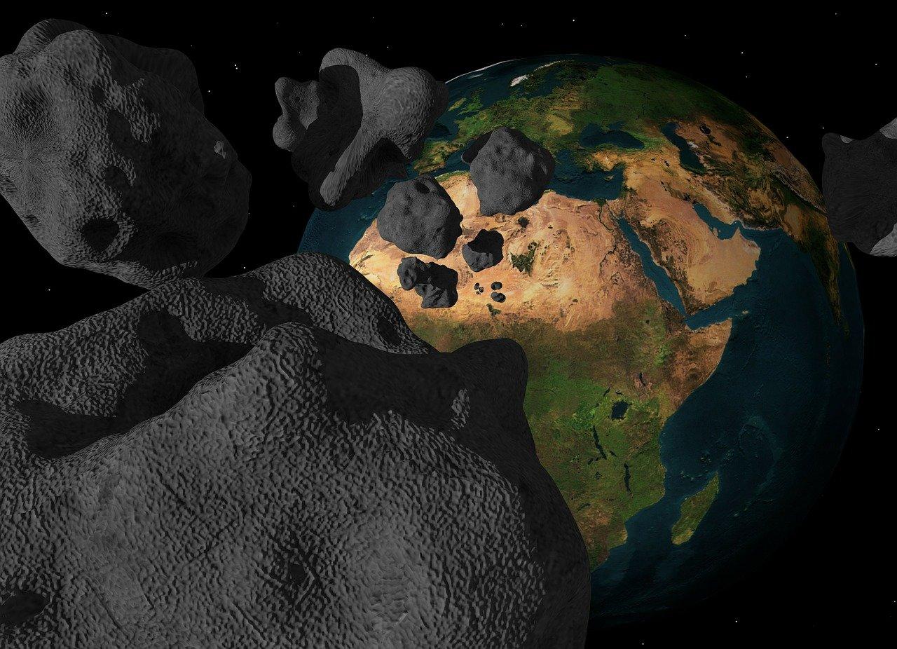 Má lidstvo šanci přežít srážku s asteroidem?
