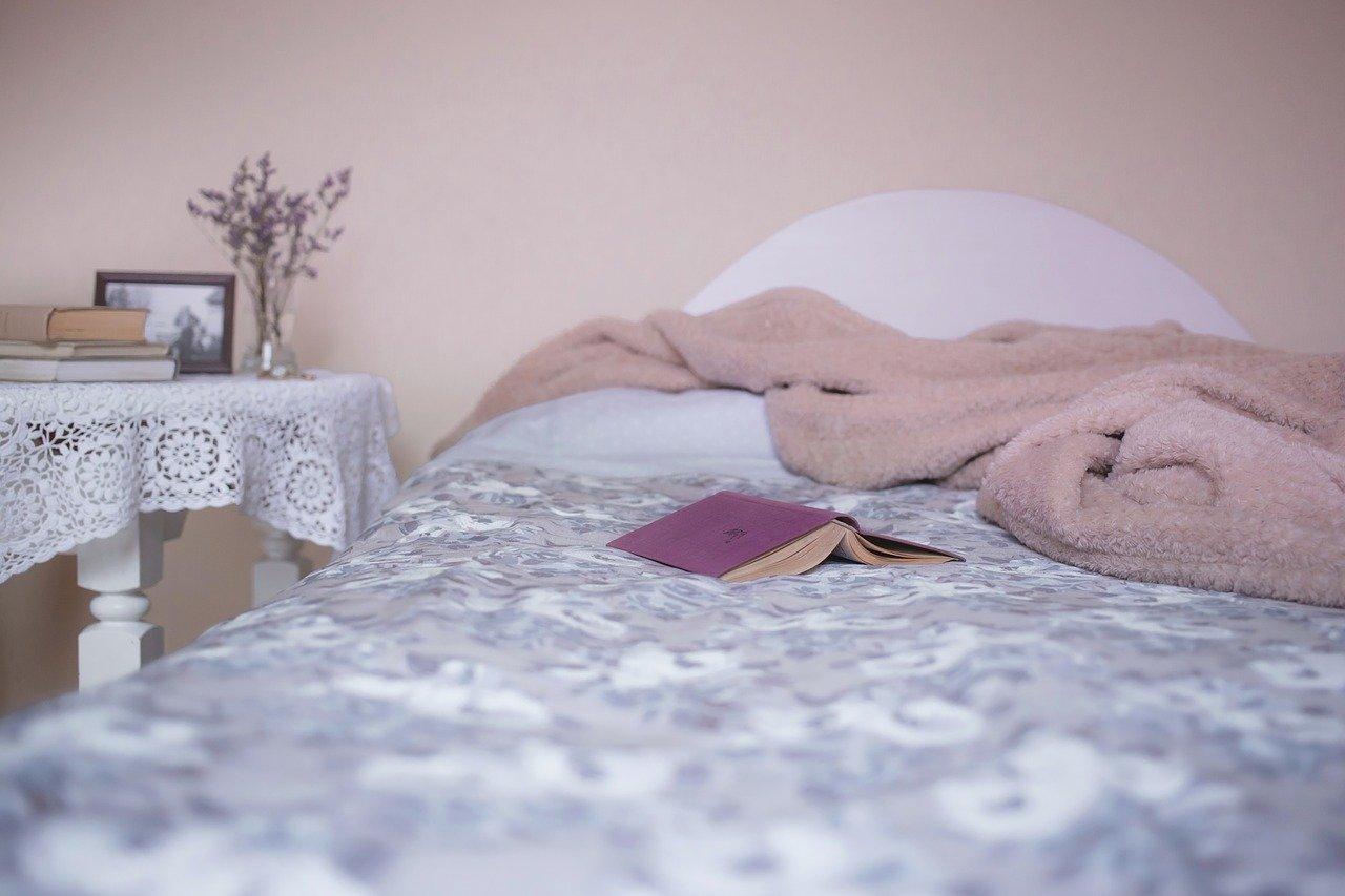 Spíte v ponožkách? Měli byste s tím začít, prospěje vám to - anotační obrázek