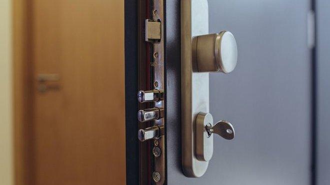 Zabezpečení bytu před zloději