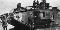 Ocelová monstra, která kosí vlastní vojáky? První nasazení tanků v bitvě bylo fiasko - anotační obrázek