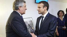 Antonio Tajani a Emmanuel Macron
