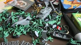 Jak se v Číně vyrábí hračky? V nelidských podmínkách za mizerné platy - anotační foto