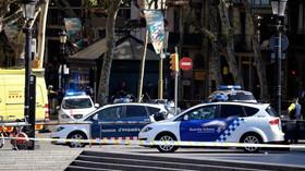 V centru Barcelony projela dodávka davem lidí, nejméně 13 mrtvých - anotační foto
